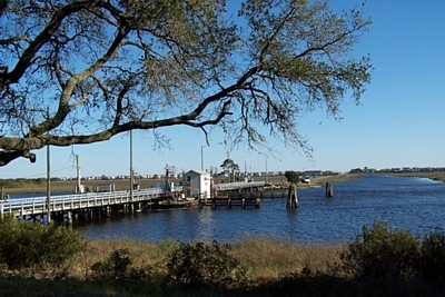 Sunset beach north carolina pontoon bridge crossing the atlantic intracoastal waterway the current pontoon bridge was constructed by the north carolina department of transportation in 1961 publicscrutiny Images